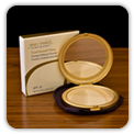 Pressed mineral foundation with Zink and UVA/UVB SPF 20 sun protection.